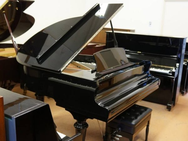 gerhard heintzman black grand piano