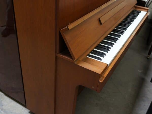used yamaha upright piano for sale
