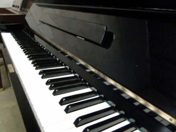 yamaha upright piano sale